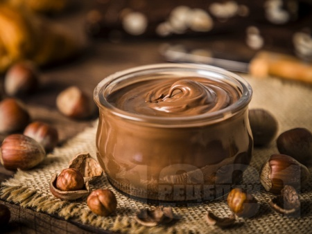 Домашен течен шоколад с кокосово масло и мед - снимка на рецептата